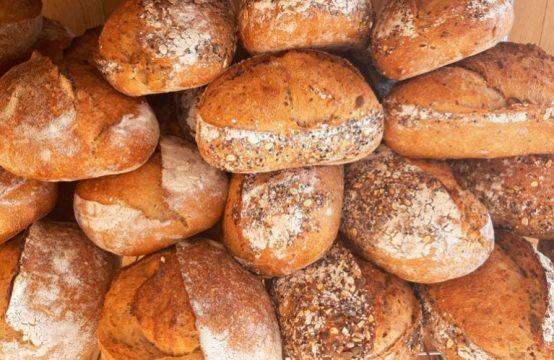 מאפיה קטנה בנתניה שמתמחה ביצור לחם מחמצת