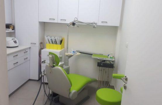 למכירה מרפאת שיניים מצליחה במרכז