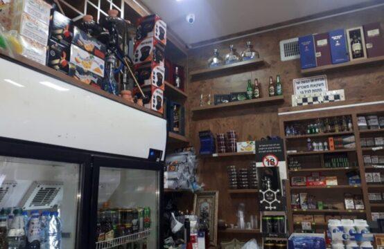 חנות למשקאות למכירה באיזור המרכז - תשואה גבוהה על ההשקעה