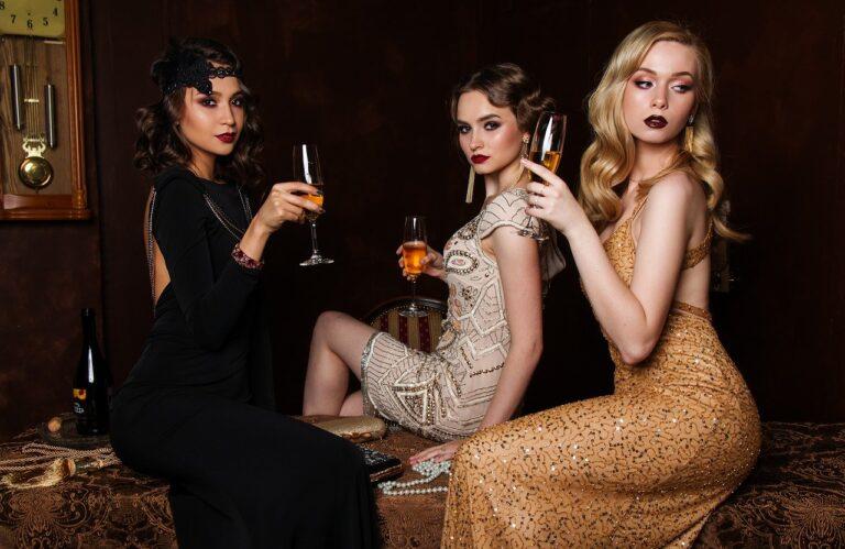אתר מוביל וותיק למכירת בגדי נשים עם קהל לקוחות עצום למכירה
